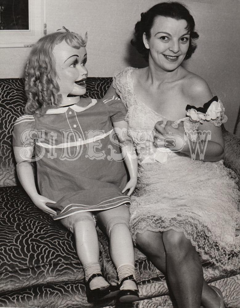 ventriloquist women
